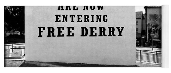 Free Derry Corner 5 Yoga Mat