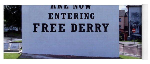 Free Derry Corner 4 Yoga Mat