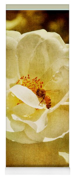 A Bee And Rose Yoga Mat