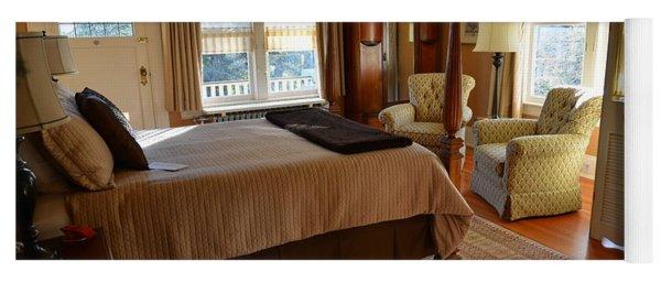 Abbeymoore Manor - Victoria Bc Iris Room Yoga Mat