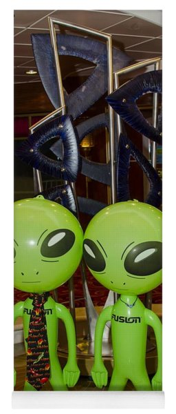 Aliens And Whatamacallit Yoga Mat