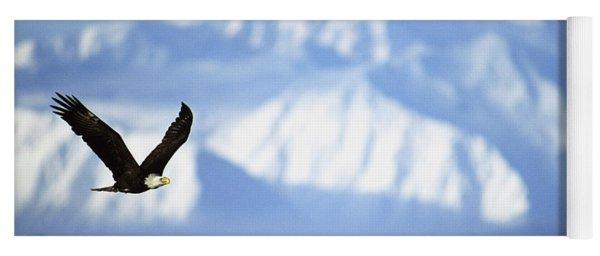 American Bald Eagle In Flight Yoga Mat