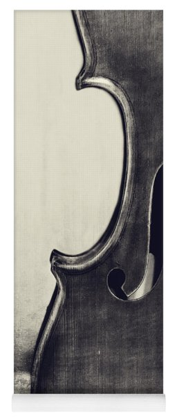 An Old Violin In Black And White Yoga Mat