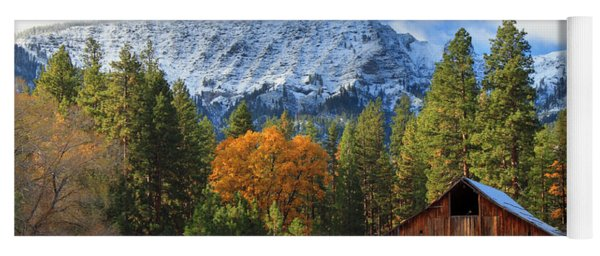 Autumn Barn At Thompson Peak Yoga Mat