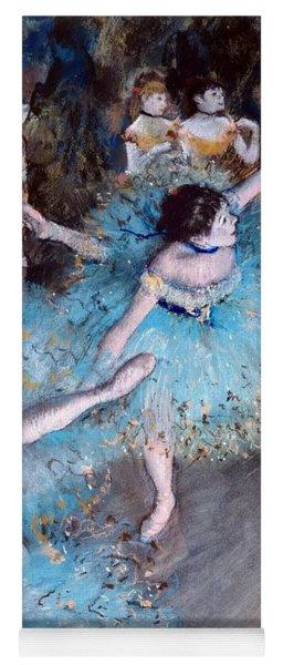 Ballerina On Pointe  Yoga Mat