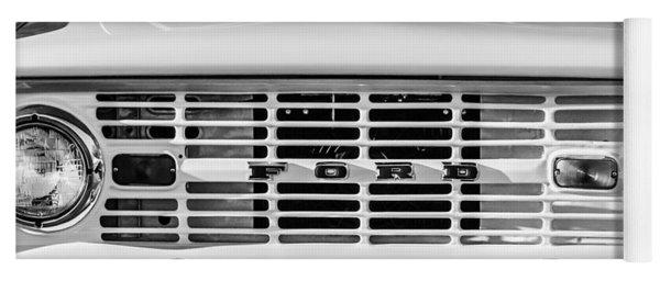 Ford Bronco Grille Emblem -0014bw Yoga Mat