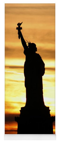 Statue Of Liberty Silhouette Yoga Mat
