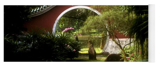 Garden Moon Gate 21e Yoga Mat