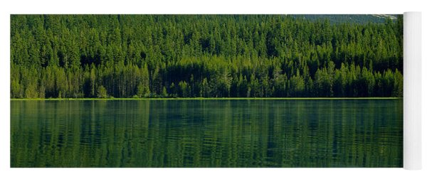 1m5705-h-mt. Mcloughlin From Lake Of The Woods Yoga Mat
