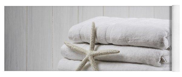 New White Towels Yoga Mat