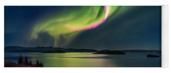 Northern Lights Over Thingvallavatn Or Yoga Mat