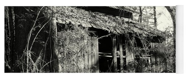 Old Barn In Black And White Yoga Mat