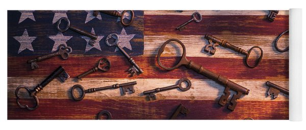 Old Keys On American Flag Yoga Mat