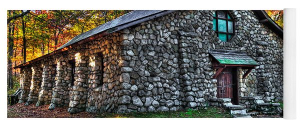 Old Stone Lodge Yoga Mat