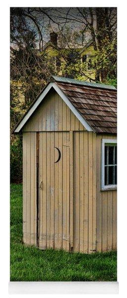 Outhouse - 8 Yoga Mat
