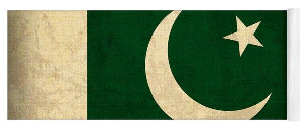 Pakistan Flag Vintage Distressed Finish Yoga Mat