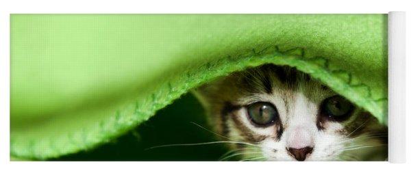 Peeking Yoga Mat