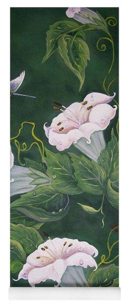 Hummingbird And Lilies Yoga Mat