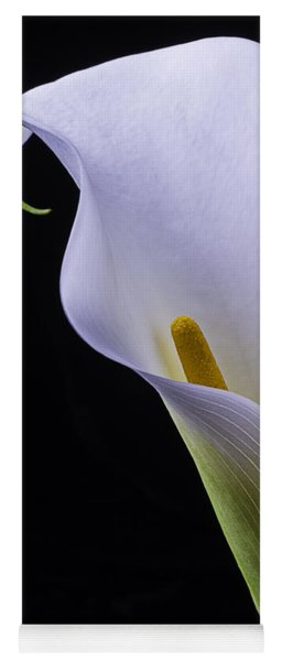Shapely Calla Lily Yoga Mat