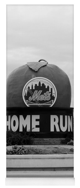 Shea Stadium Home Run Apple In Black And White Yoga Mat