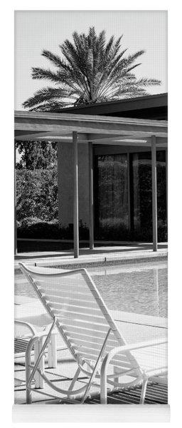 Sinatra Pool Bw Palm Springs Yoga Mat