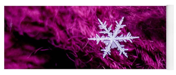 Snowflake On Magenta Yoga Mat