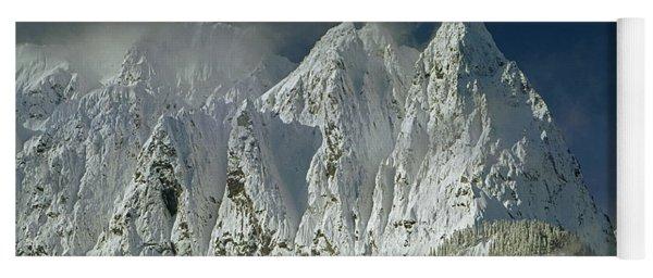 1m4503-three Peaks Of Mt. Index Yoga Mat