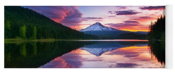Trillium Lake Sunrise Yoga Mat