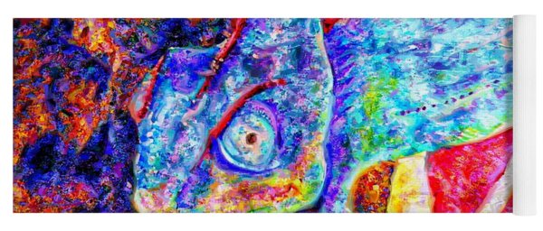 turquoise  lizard basking in the rays of Tonatiuh Yoga Mat