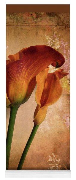 Vintage Calla Lily Yoga Mat