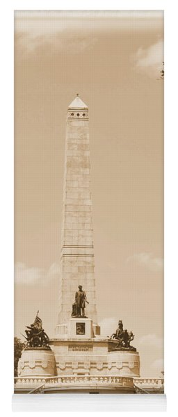 Vintage Lincoln's Tomb Yoga Mat