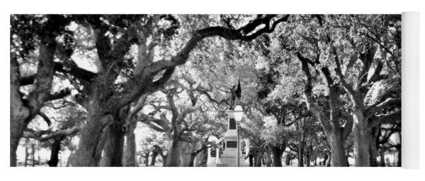 White Point Gardens At Battery Park Charleston Sc Black And White Yoga Mat