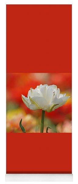White Tulip Weisse Gefuellte Tulpe Yoga Mat