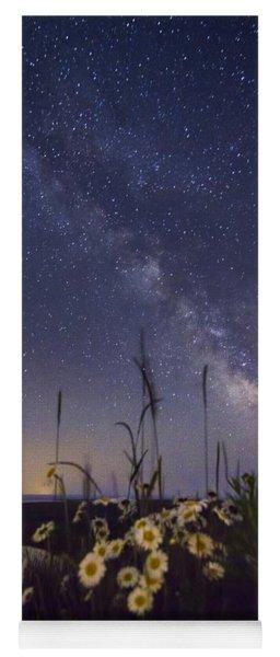 Wild Marguerites Under The Milky Way Yoga Mat