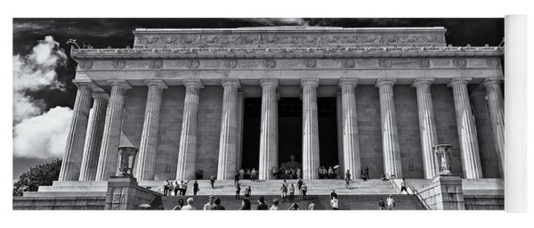 Lincoln Memorial In Black And White Yoga Mat