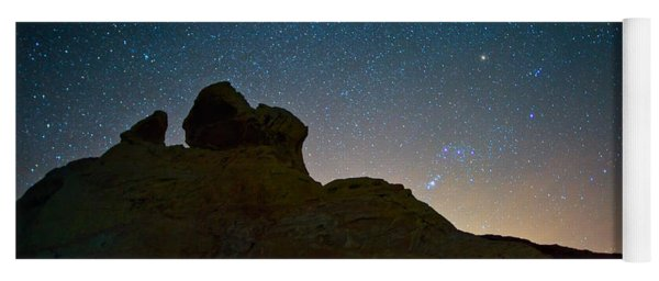 Night Sky Over Valley Of Fire Yoga Mat