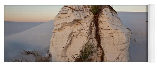 Sand Pedestal With Yucca Yoga Mat