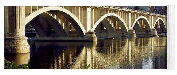 0333 3rd Avenue Bridge Minneapolis Yoga Mat