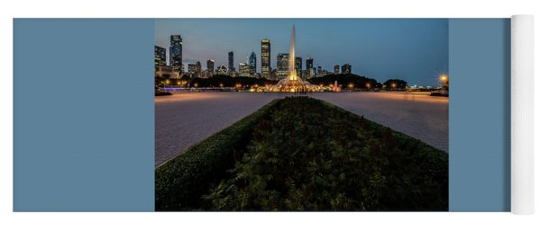 Chicago's Buckingham Fountain At Dusk  Yoga Mat
