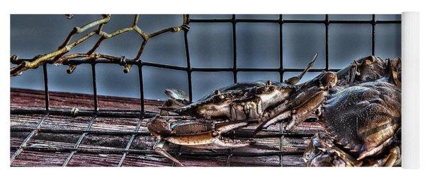 2 Crabs In Trap Yoga Mat