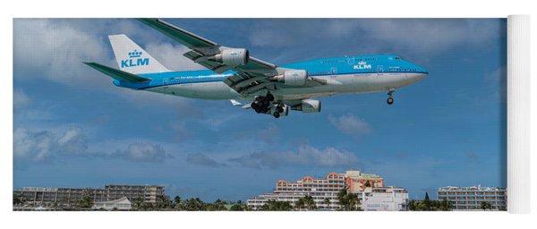 K L M Landing At St. Maarten Yoga Mat
