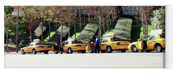 4 Taxis In The City Yoga Mat