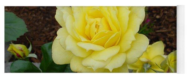 4 Yellow Roses Yoga Mat