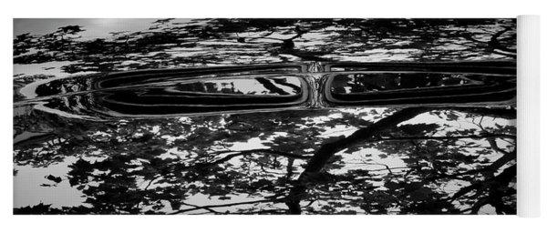 Abstract Reflection Bw Sq II - Vehicle Yoga Mat
