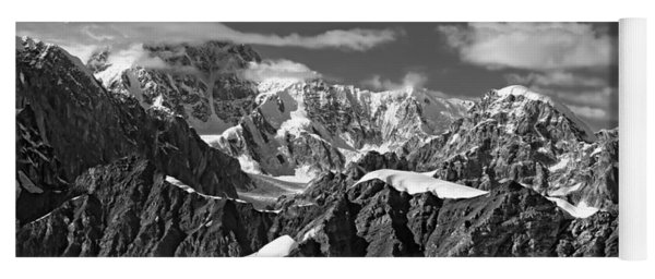 Alaska Mountain Range Black And White Yoga Mat