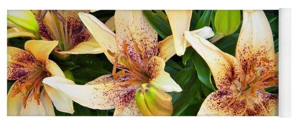 Asiatic Lilies Yoga Mat