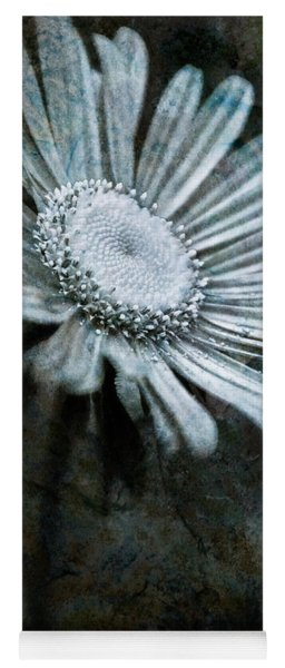 Aster On Rock Yoga Mat