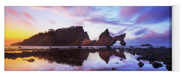 Atuh Beach Dawn Break Scene Yoga Mat