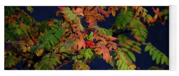 Autumn Berries Yoga Mat
