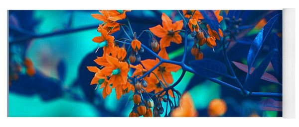 Beautiful Solanum Septemiobum Flowers  Yoga Mat